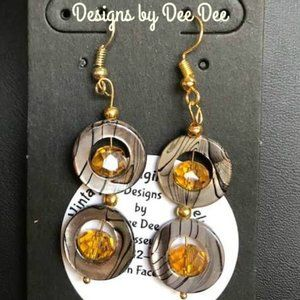 Gold Tone Shell and Bead Drop Earrings